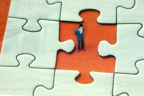 为什么大部分人会选择代理机构来获取商标?